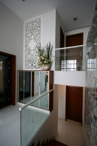 frameless glass and steel